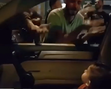 """Lebanese Protesters Sing """"Baby Shark"""" to Comfort Baby Scared by the Protests"""