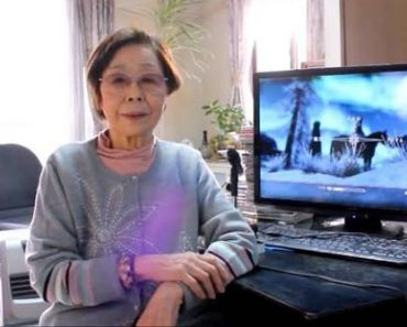 """89-Year-Old Gamer Grandma Plays """"Call of Duty"""" and """"GTA"""" Better Than You"""