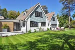 7 Ways How Landscaping Can Benefit Your Home