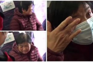 Netizens Pity Old Woman Who's Crying Because She Can't Buy Face Mask