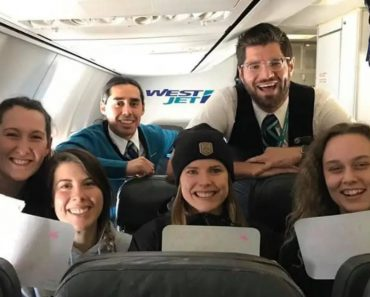 Airline Throws Graduation Party for Students on Flight Home after College Closed from COVID-19