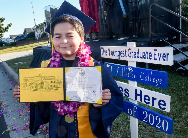 13-year-old boy graduates with 4 associate degrees