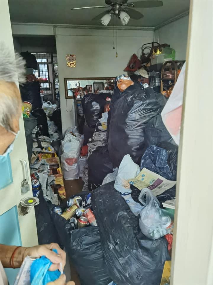old man Singapore lost job