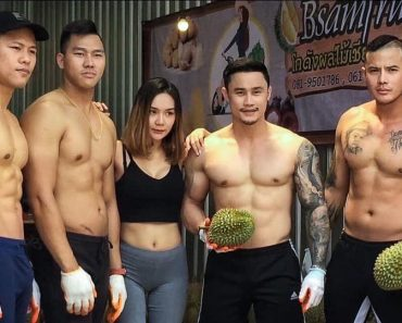 Durians Sell Out Fast as Fitness Trainers Became Vendors after Gyms Closed Down