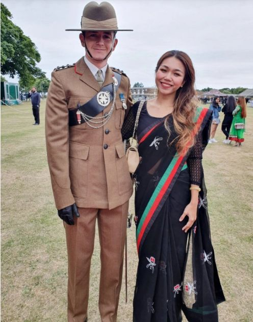 British guy marry the girl he met on Tinder