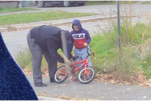Kind Driver Stops Bus to Help Fix a Crying Kid's Bike