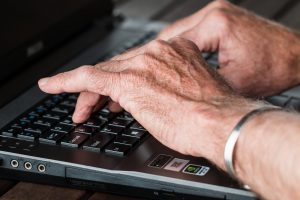Tips For Seniors: How To Find A Job  Online